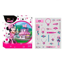 - Calendrier de l'avent établi par Disney Minnie
