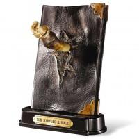 NOBLE COLLECTION - Sculpture de journal de Fang de Basilisk et de Tom Riddle