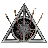 NOBLE COLLECTION - Fantastic Beasts Deathly Hallows expositor assortis de baguettes