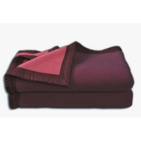Couverture Aubisque en laine woolmark 240x260 cm aubergine et bois de rose