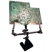 soldering helbrochesg hand AVEC magnifier